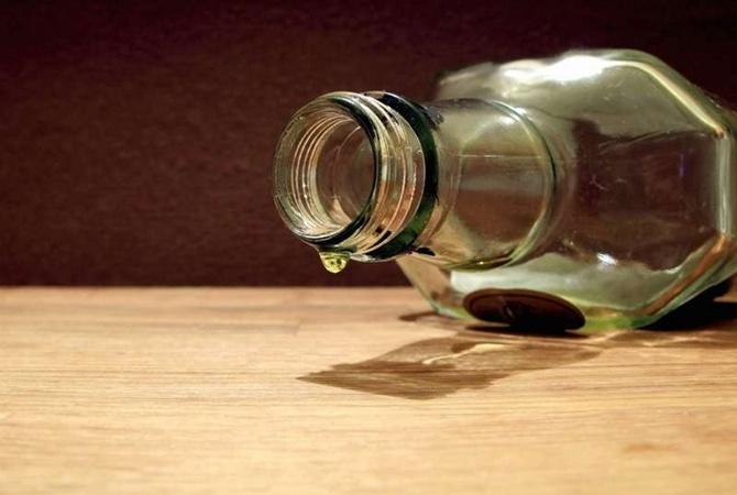 Отсуррогатного алкоголя погибли уже 65 человек