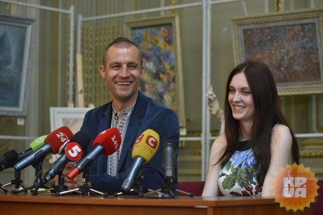 Гаврилюк пожаловался нато, что ему нехватает заработной платы народного депутата