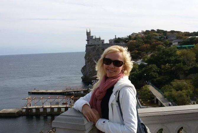 Артистка изДнепра вступилась за«антимайданщицу», которая ударила солдата АТО молотком