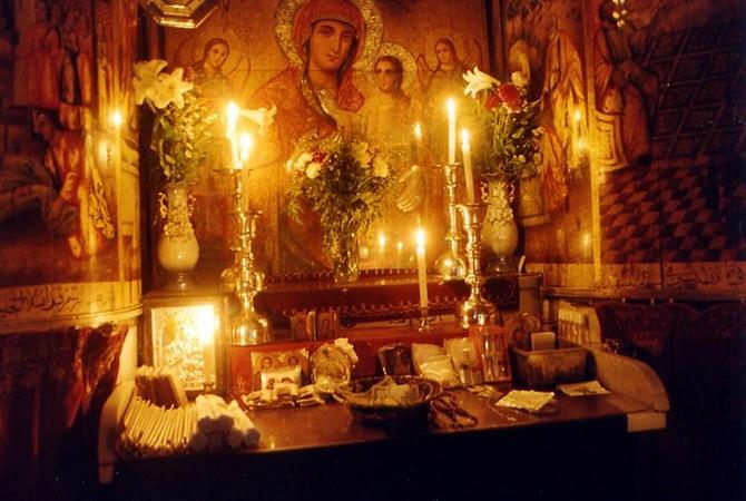 Ученые сняли плиту над гробом Христа