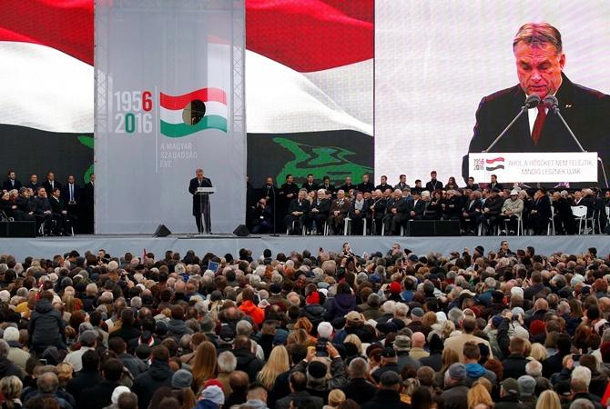 Венгрия пообещала подать всуд наЕврокомиссию из-за беженцев