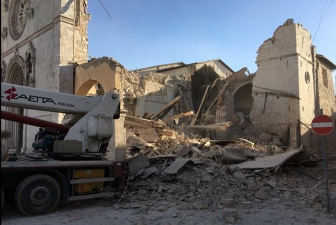 ВИталии после землетрясения земля просела до70см