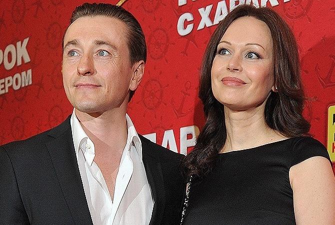 Ирина Безрукова поведала оботношениях сбывшим супругом
