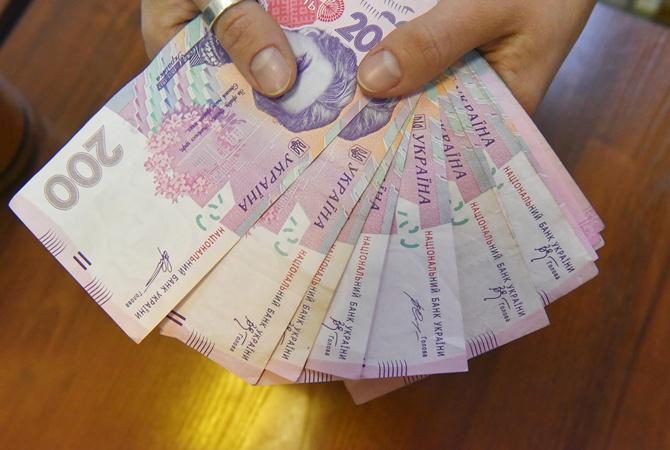 Миллионы набанковских счетах, земли под Киевом изаймы— Декларация Порошенко