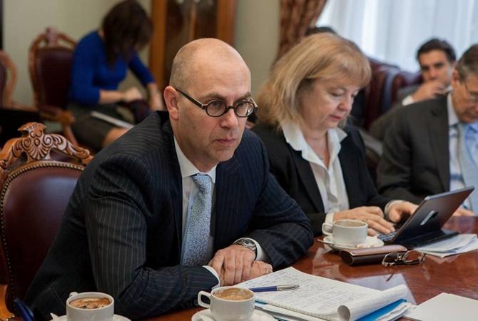 Украина собирается занять практически $8 млрд в будущем году