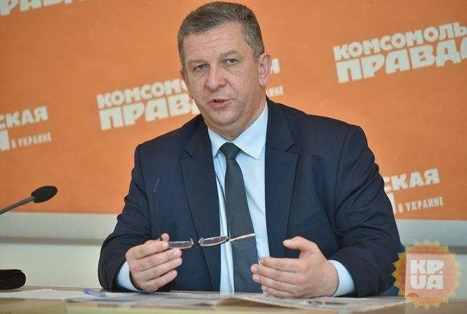 Кабмин пообещал учителям минимальную заработную плату в5266 тыс грн