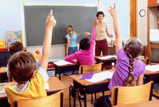 Родители испанских школьников протестуют против избыточного объема домашних занятий