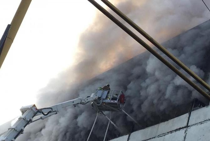 ВКишиневе полыхает предприятие: наместе работают 14 пожарных расчетов