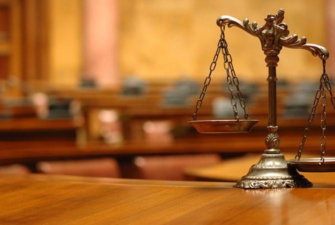Днепровский судья всоставе банды юриста отбирал квартиры