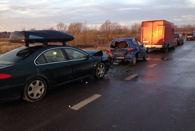 ВЛьвовской области иностранец разбил 5 машин