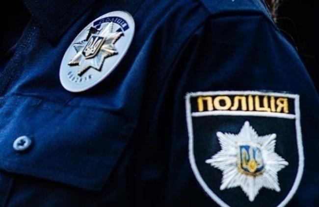 ВКиеве пьяная компания избила девушку-полицейскую, оформлявшую ДТП