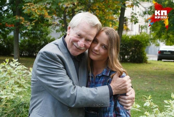 Молодая супруга Ивана Краско улетела вотпуск без него