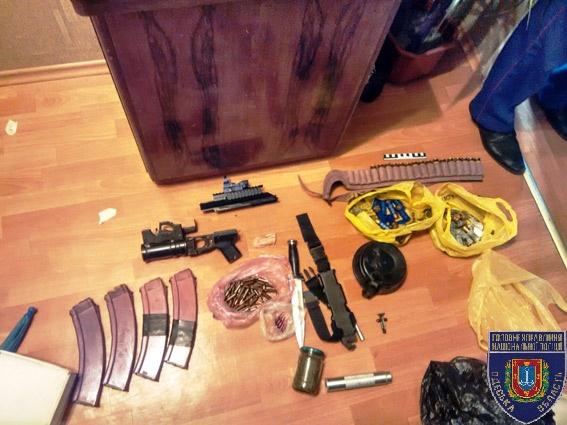 ВОдесской области задержали нетрезвого военного, который грозил гранатой