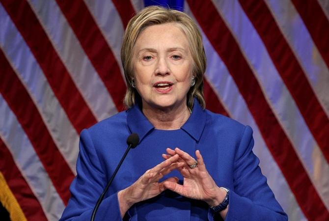 Штаб Клинтон готов принять участие впересчете голосов в главных штатах