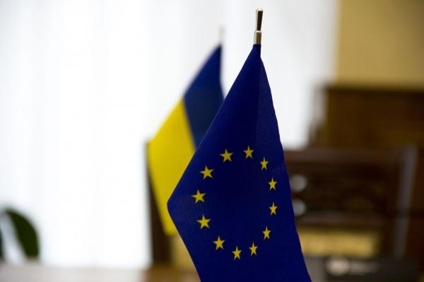 Евродепутат: Безвизовый режим с государством Украина специально блокируют вЕС
