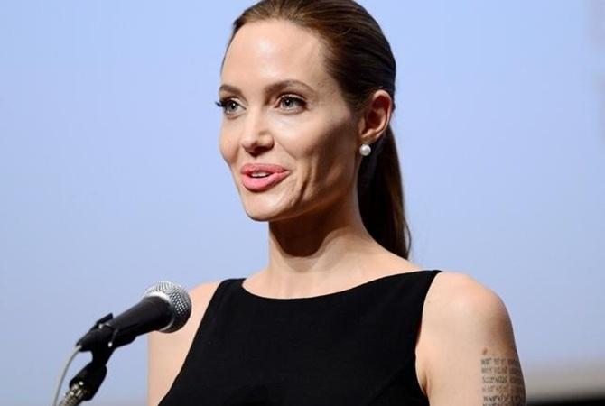 Анджелина Джоли весит 34 килограмма— Тающая звезда