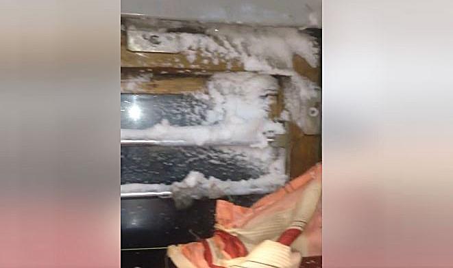 Пассажиров поезда Одесса-Москва засыпало снегом прямо ввагоне (ФОТО;ВИДЕО)