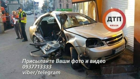 Генпрокуратура проинформировала о сомнении полицейскому, совершившему ДТП вКиеве