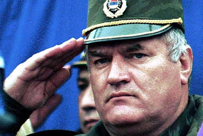 Обвинитель потребовал пожизненный срок для генерала Ратко Младича