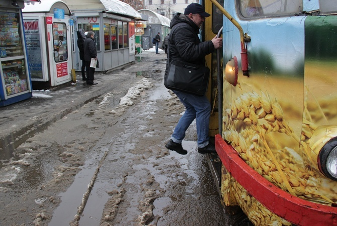 Пассажира подстрелили вкиевском трамвае
