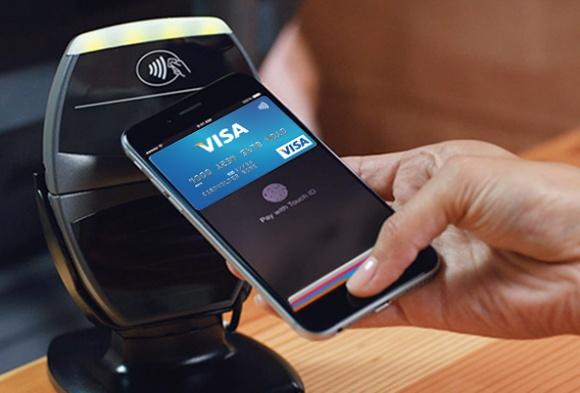 Visa и Приватбанк превращают смартфон в кошелек