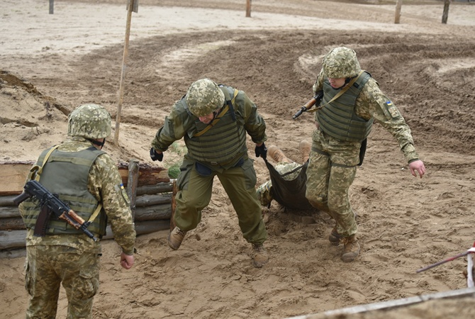 Врайоне Светлодарской дуги ВСУ впроцессе контратаки заняли новые позиции— Турчинов
