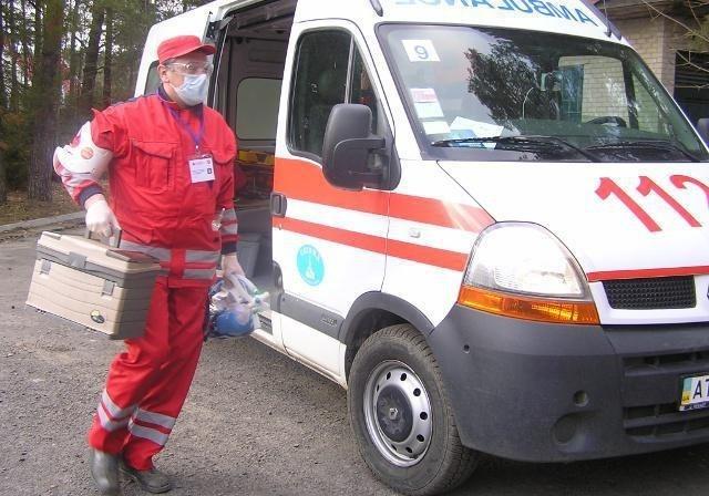 ВРовно парень напал набригаду скорой помощи