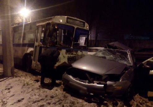 ВМариуполе полицейский врезался втроллейбус— Смертельное ДТП