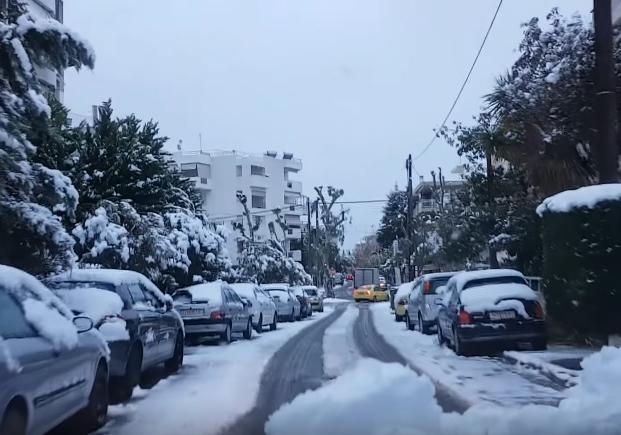 ВАфинах впервый раз  за пару лет  выпал снег