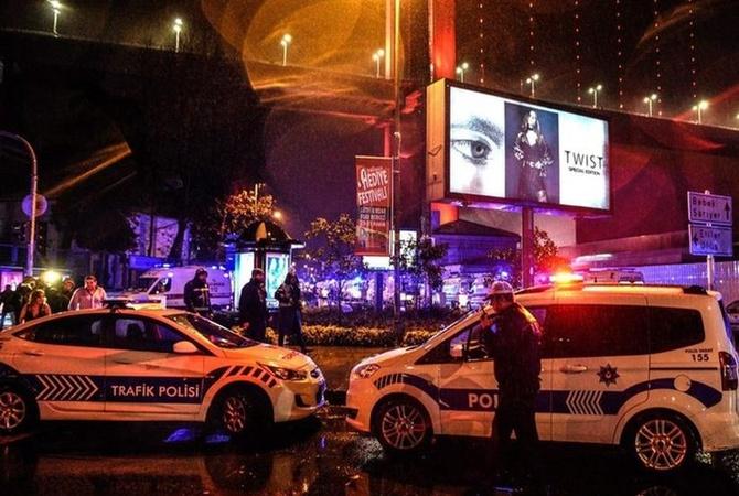 ВСтамбуле, спасаясь отвооруженных «Санта Клаусов», гости вечеринки прыгали вБосфор,