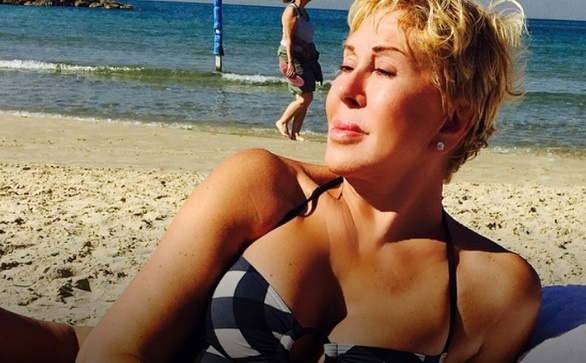 62-летняя Любовь Успенская похвасталась фигурой вкупальнике