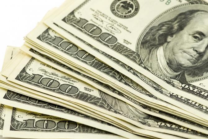 Для укрепления гривны Нацбанк продаст USD 100 млн