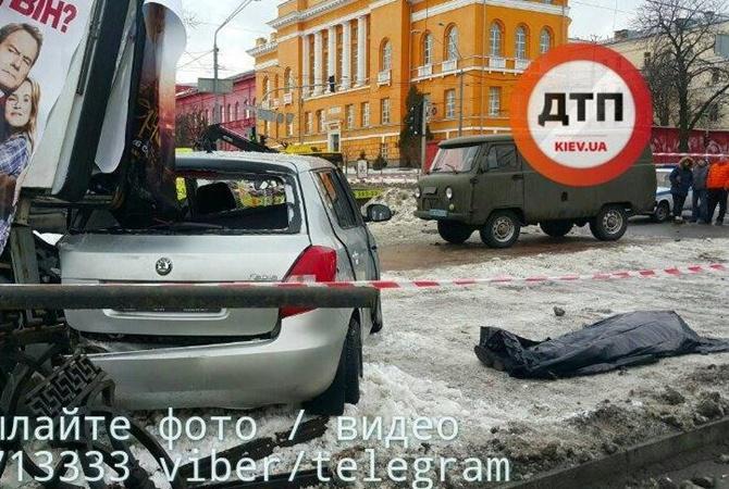 Вцентре украинской столицы в итоге столкновения 2-х иномарок погибла молодая женщина