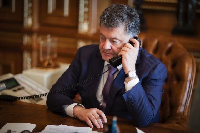 Порошенко, Меркель иОлланд обсудили Минские соглашения иассоциацию с EC