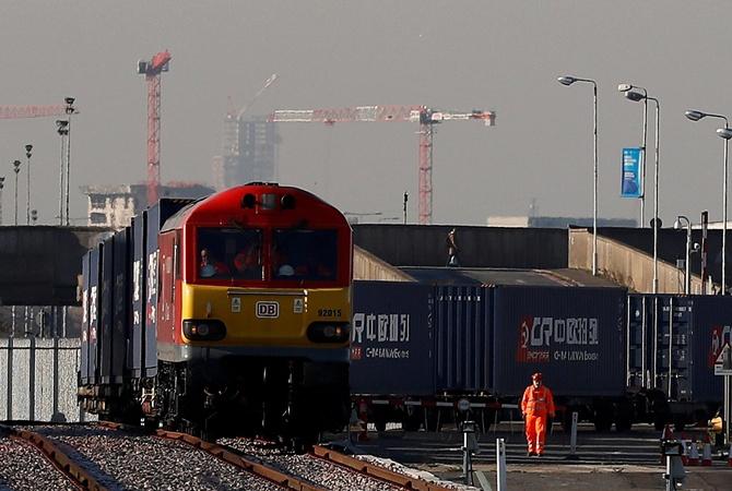 ВЛондон прибыл 1-ый грузовой железнодорожный состав из Китайская народная республика