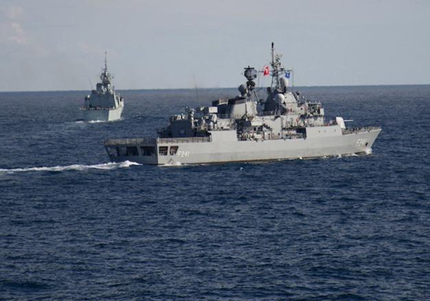 Военный флот Украины вмёрз влёд вОдесском заливе
