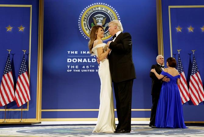 Супруги Трамп станцевали вчесть инаугурации— Они это сделали