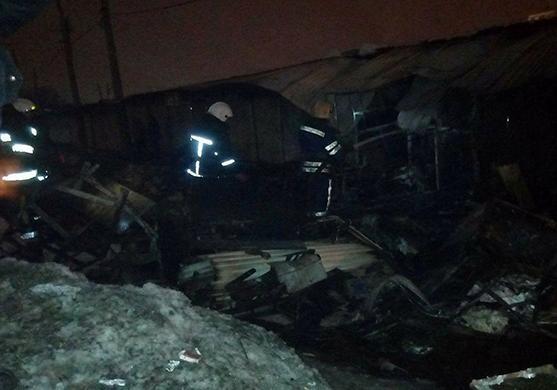 Наодесском рынке «Привоз» загорелись торговые павильоны