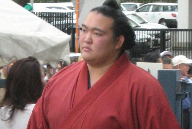 Самый высокий ранг сумо впервый раз за19 лет присудили японцу