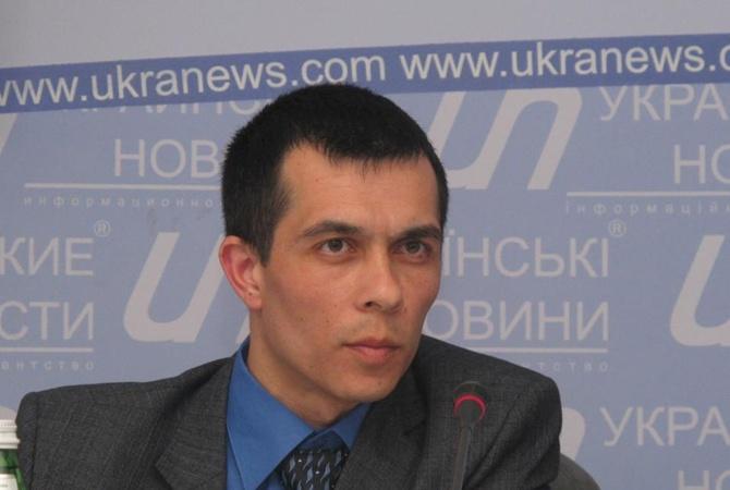 10 мин. назад ВБахчисарае задержали юриста Эмиля Курбединова