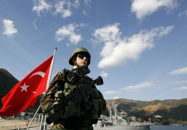 Около 40 турецких военнослужащих попросили политическое убежище вФРГ