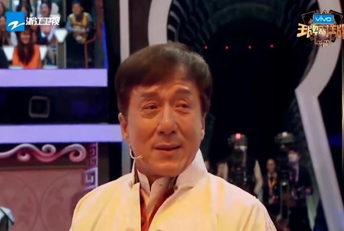 Джеки Чан расплакался впрямом эфире навстрече состарой командой каскадеров