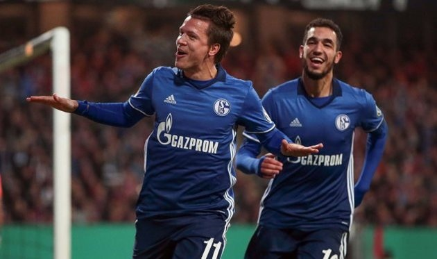 «Шальке» победил вчетвертьфинале Кубка Германии благодаря голу Е.Коноплянки