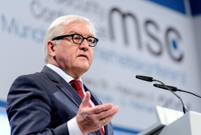 Порошенко поздравил Штайнмайера сизбранием президентом Германии