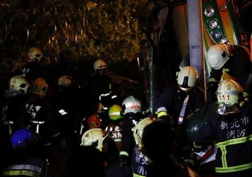 НаТайване вДТП стуристическим автобусом погибли 28 человек