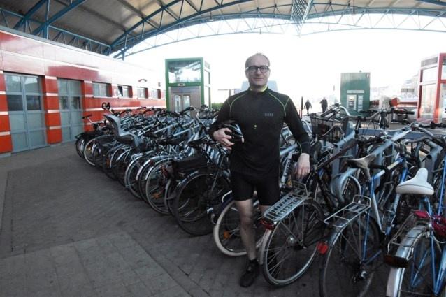Уминистра украли велосипед, пока он говорил овелопарковках