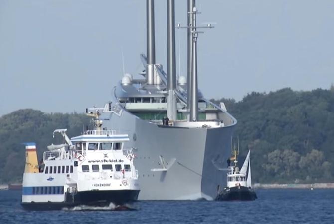 Крупнейшую личную яхту, построенную для миллиардера изРФ, арестовали вГибралтаре