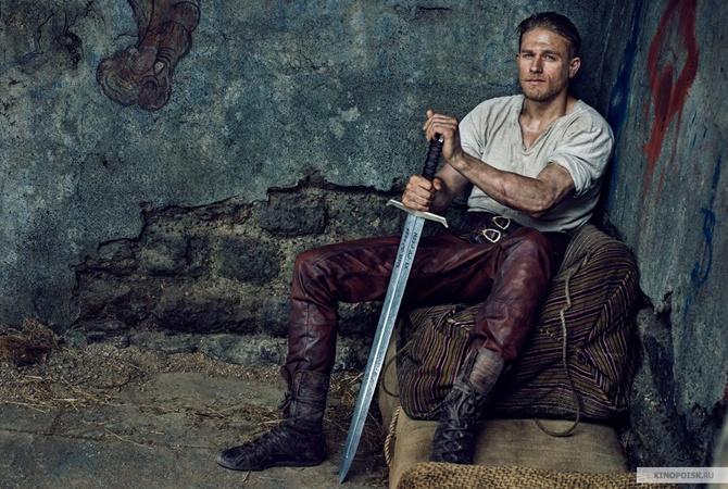 Джуд Лоу втрейлере фильма Гая Ричи «Меч короля Артура»