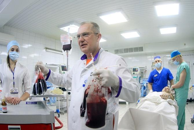 День донора: неменее 300 днепрян сдали кровь для раненых бойцов