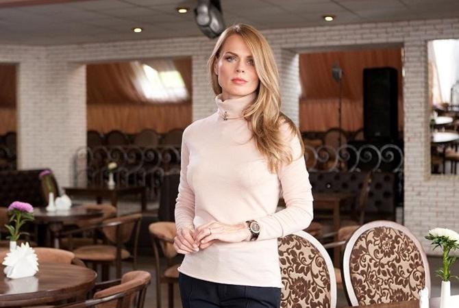 Беременная Ольга Фреймут засветила вглобальной web-сети округлившийся живот
